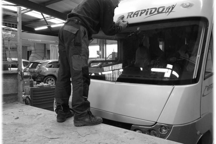 Le bris de glace: un métier de carrossier